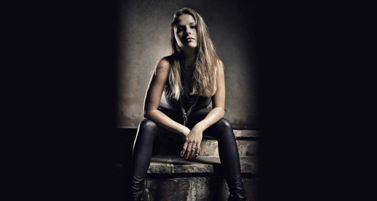 Letizia-Merlo-Eternal-Idol